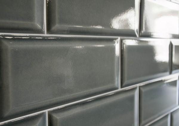 Metro Fliese Craquelé Krakelee antik dunkelgrau glänzend 10x20 Facettenfliese