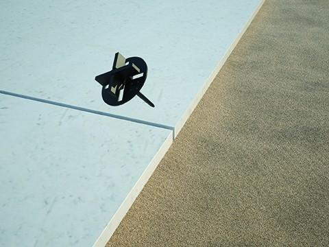 Stelzlager Fugenkreuz mit Spitze für Terrassenplatten | zur Verlegung auf Kies, Splitt, Sand & Gras
